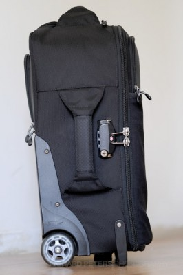 The left side of the bag houses a nice thick padded handle and the main compartments lock.